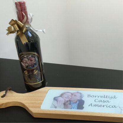 Wijnfles met borelplank met foto